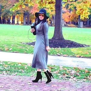 Long sleeve semi fitted knit dress w/open back